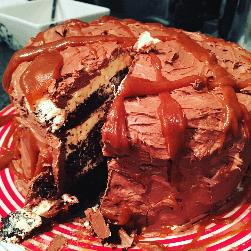 Salted Caramal Chocolate Fudge Cake
