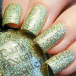 Bright eyes – Lime-gold Holographic glitter polish